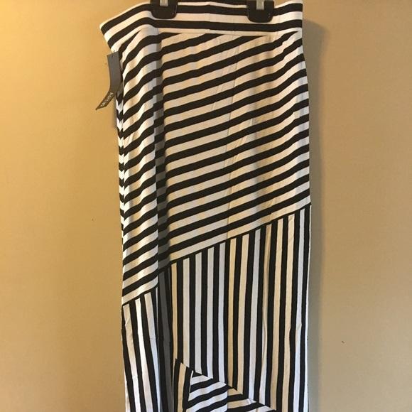 6dfe50a391 Apt. 9 Skirts | Nwt Maxi Skirt Apt 9 Petite Rayon Spandex | Poshmark
